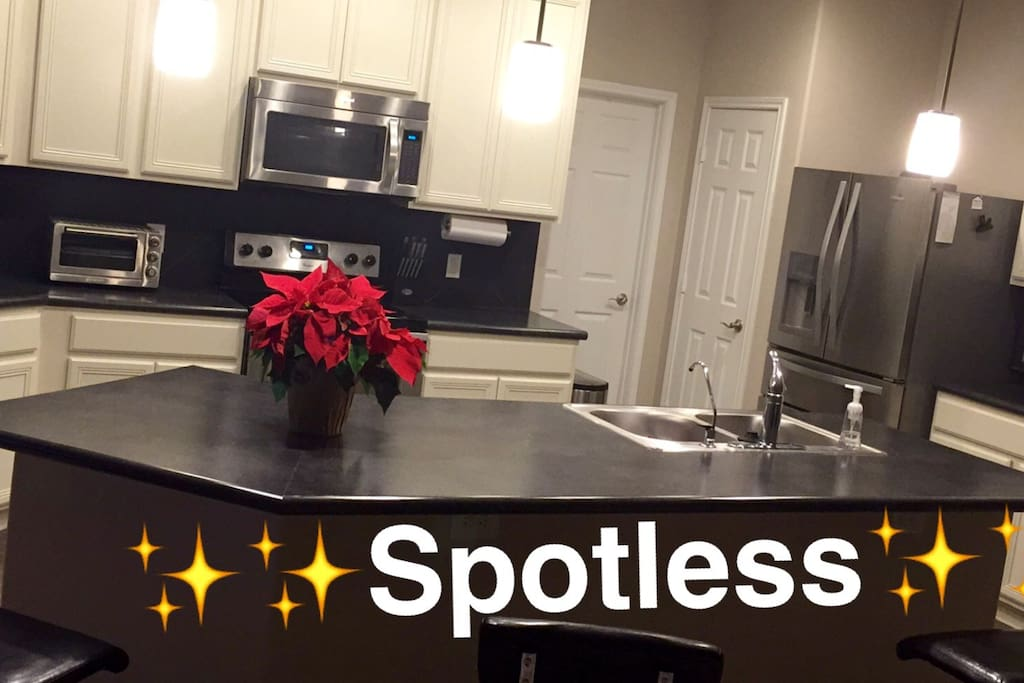 Large clean kitchen to have drinks and food before heading out to your event!