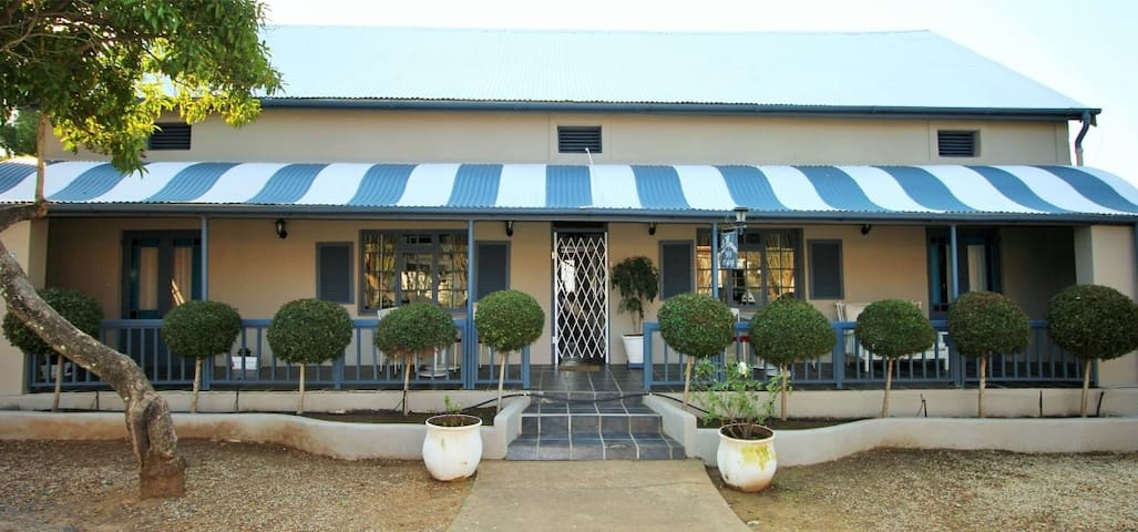 La Montagne Boutique Guesthouse - Riebeeck Kasteel - Bed & Breakfast