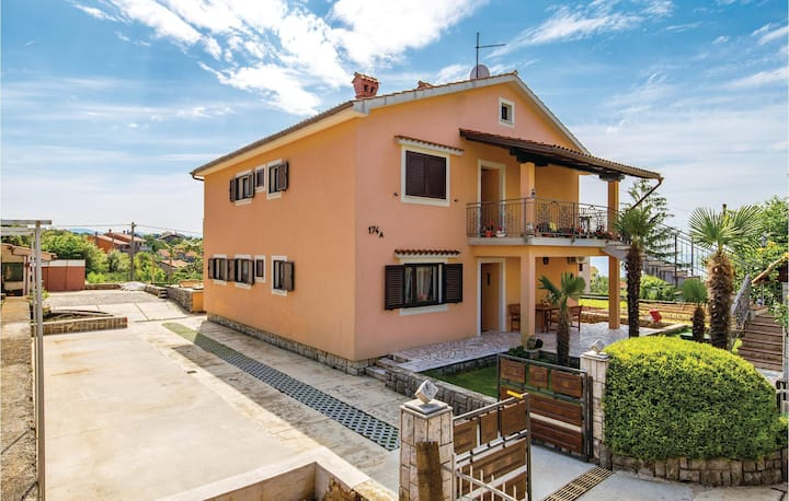 Awesome home in Rubesi with WiFi and 2 Bedrooms