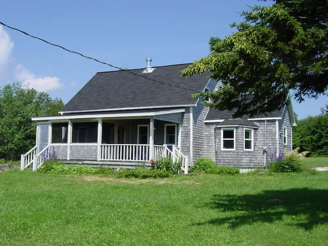 1830s Rustic Pioneer Home
