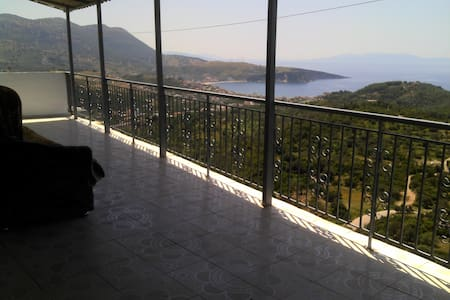 HIMARA CASTLE BREATHTAIKING SEA VIEW HOUSE - Himara - Apartament
