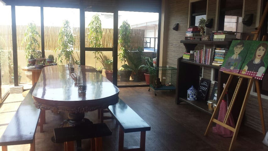 COZY 1BR IN AN ARTSY HOME - Valenzuela - Casa
