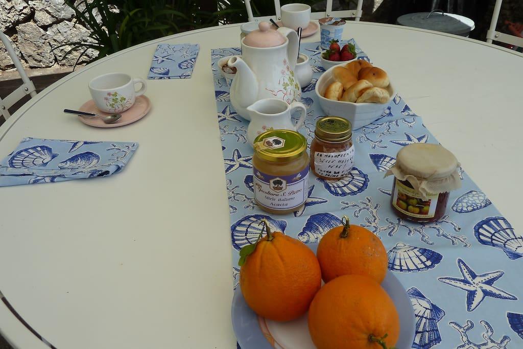 una colazione con prodotti genuini.