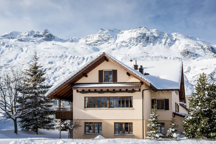 CHALET GEMSSTOCK for 10 people - Andermatt - House