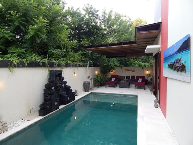 Nice cosy villa 4 BR in quiet Jimbaran - South Kuta - Villa