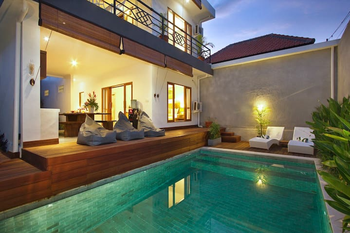 2 bedroom villa seminyak center [AUGUST PROMO]