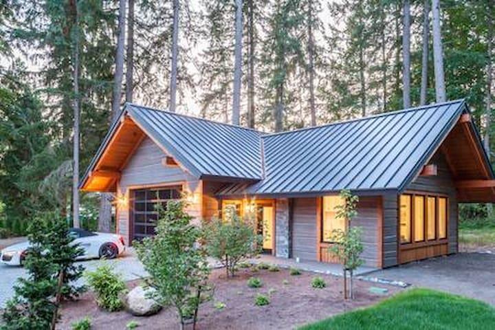 Lomax Pura Vida Guest Cottage