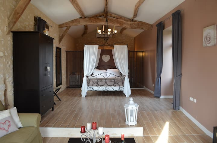 Luxury and charm BACCHUS Suite