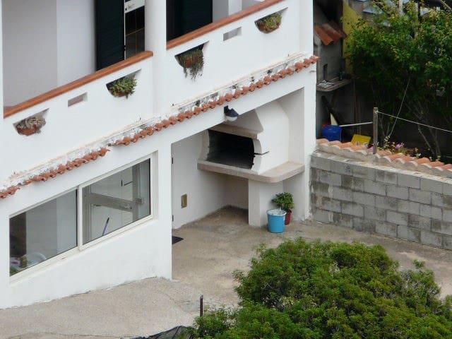 Casa con spazio esterno fronte mare - Buggerru - บ้าน