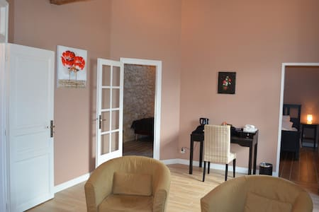Luxury and charm PAUILLAC Suite - Les Lèves-et-Thoumeyragues - Bed & Breakfast - 1