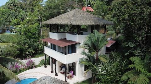 Superb house in Costa Rica' jungle