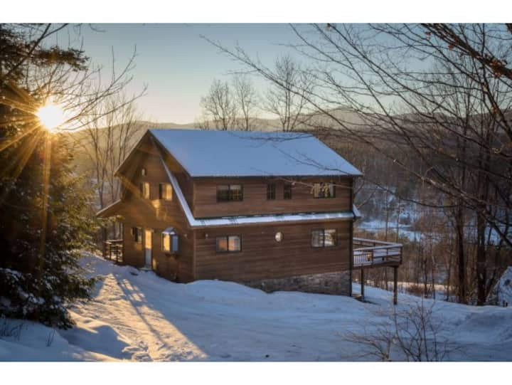 Elegant Post & Beam House in Stowe