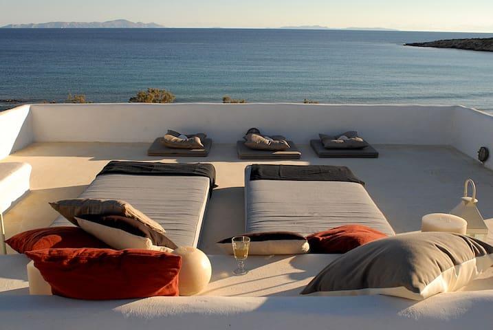 SEA SIDE HOUSE IN PAROS ! - Aliki - House