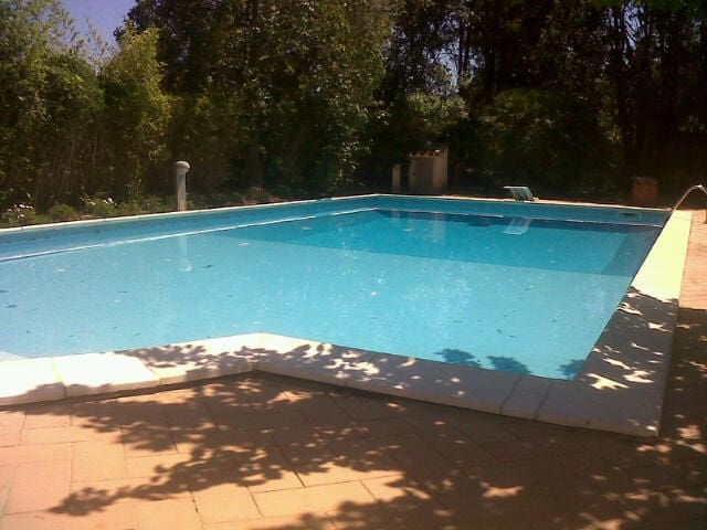 Gorgeous depandance with swim pool - Pula - Bed & Breakfast