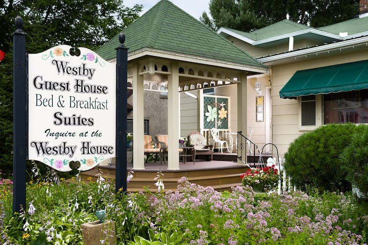 A small-town Guest House in Westby- State Licensed