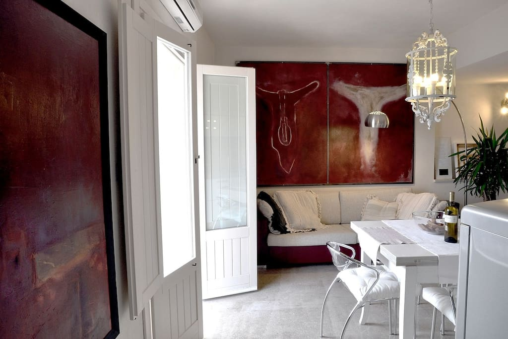the bright living spacewith contemporary artworks