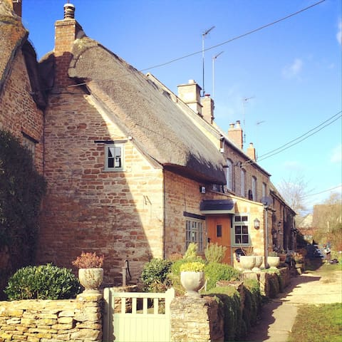 Thatched Cotswolds Stone Cottage
