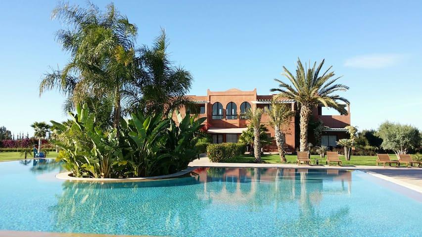 Calme, espace & luxe près Marrakech - Marrakesh - Pensió