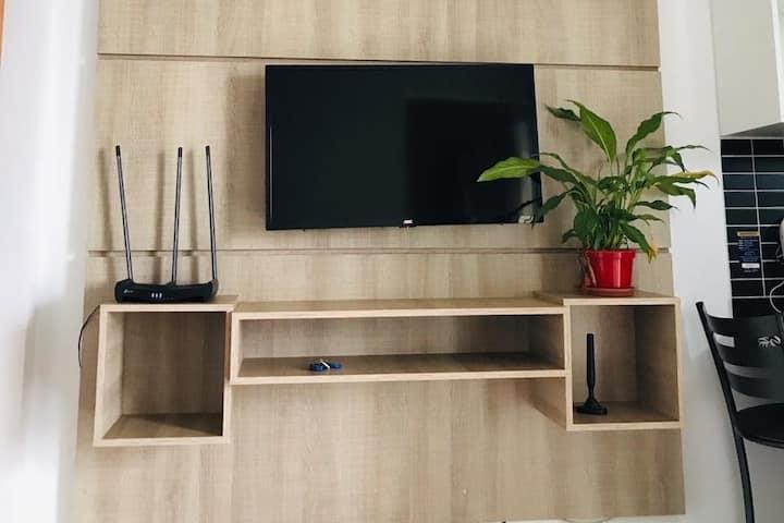 Lindo Studio com suite, cozinha americana St.Sul