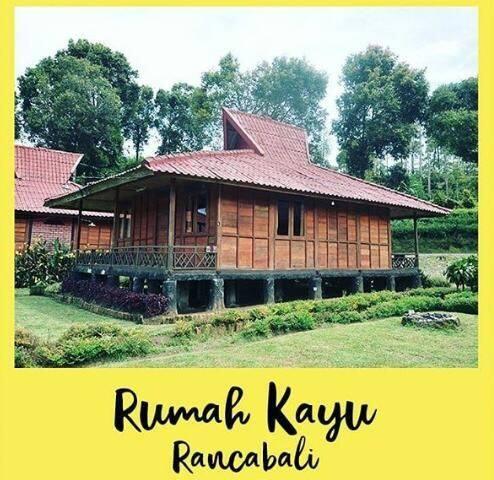 Rumah Kayu Asri Rancabali
