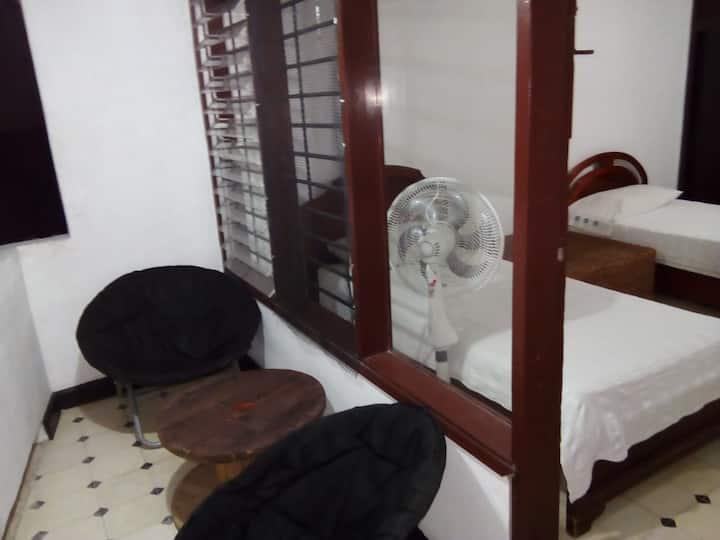 Habitación cómoda en el barrio Betania