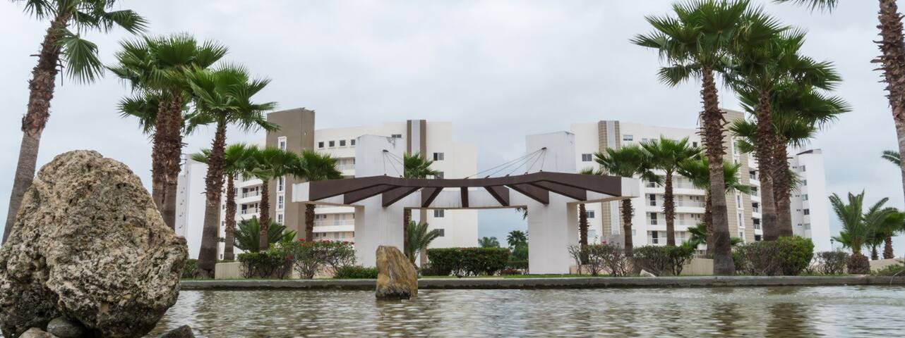 Lujoso apartamento de 2 recamaras en Dream Lagoons