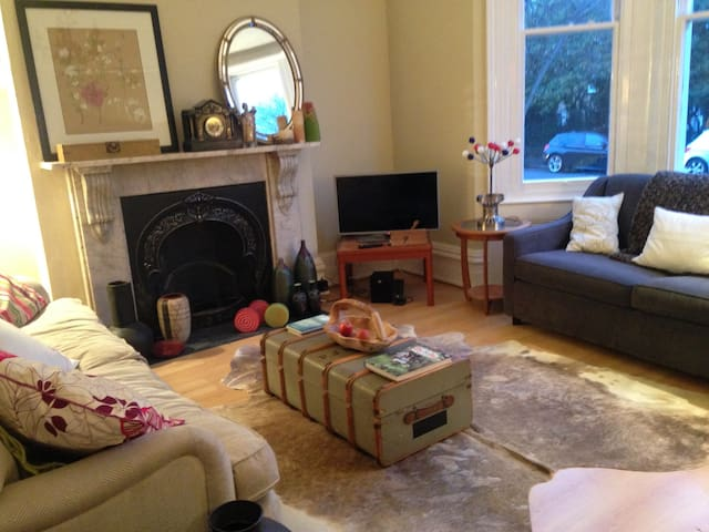 Large 1 bed flat in amazing Brighton location