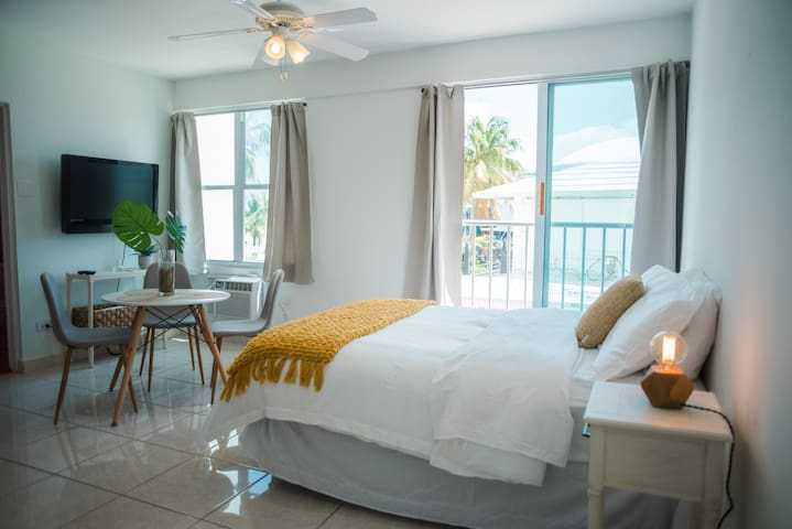 Ocean Front - Fully Equipped Studio -  Isla Verde