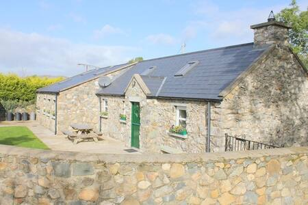 Self Catering Holiday Home Bird Cottage