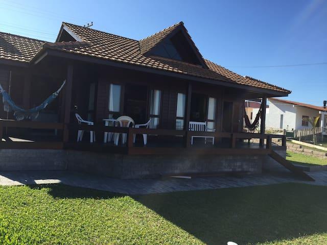 Casa no Farol de Santa Marta com vista para o mar - Laguna - House