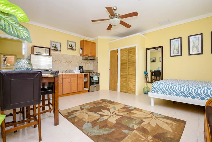 CENTRALLY LOCATED - CLOSE TO BEACH