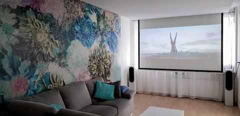 Cozy apartment near Lõunakeskus with home cinema
