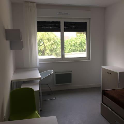 Studio meublé et équipé en résidence services