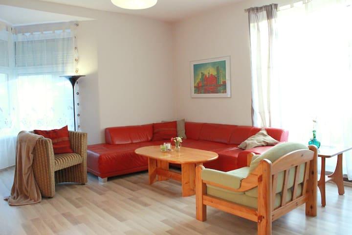 Cozy house on Szczęśliwa Street