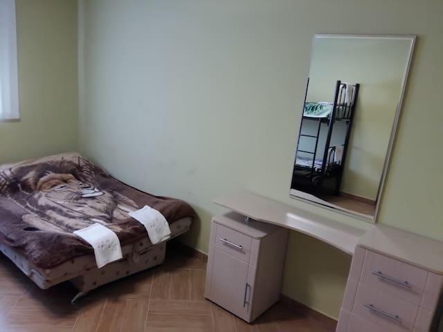 комната в уютном доме на лоне природы