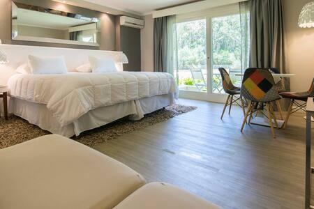 Punta del Este, Solanas Forest Lagoon, Luxury!