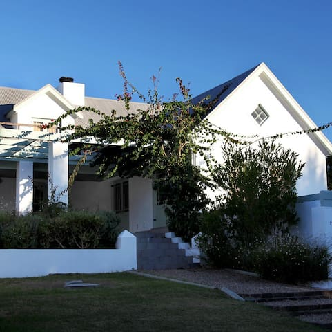 Stanford Country Cottages: Thula