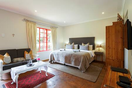 Mountain cottage @ Mulberry Guest H - Outer West Durban - Bed & Breakfast