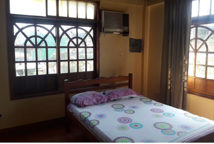 Deluxe Double with Balcony and private bathroom - Leticia - บ้าน