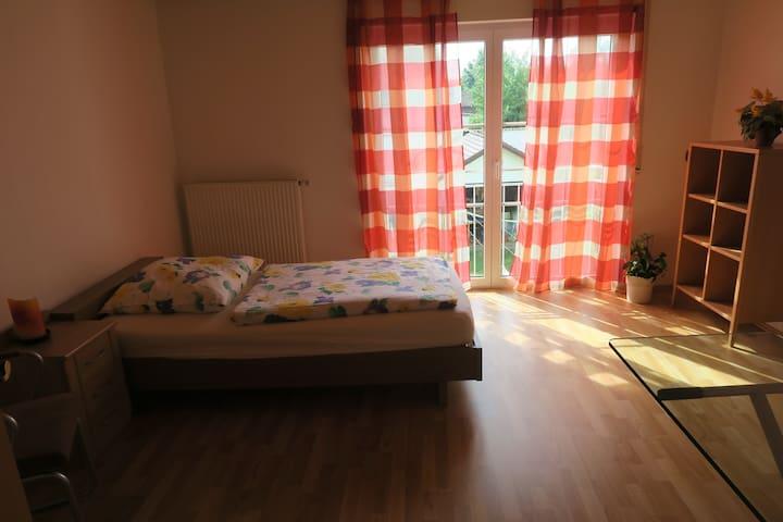 Ruhiges Zimmer nähe Weiden - Pirk - Apartemen