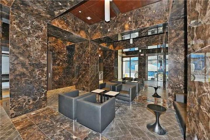 Luxury Condo in Financial District Downtown Toront - Toronto - Apartment