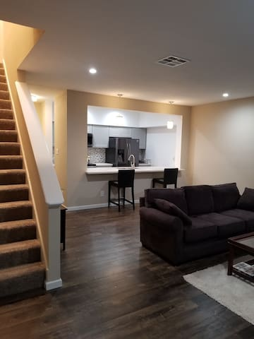 Clean and private townhome easy access