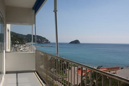 Holiday Home on the Liguria Gulf - Spotorno - Pis
