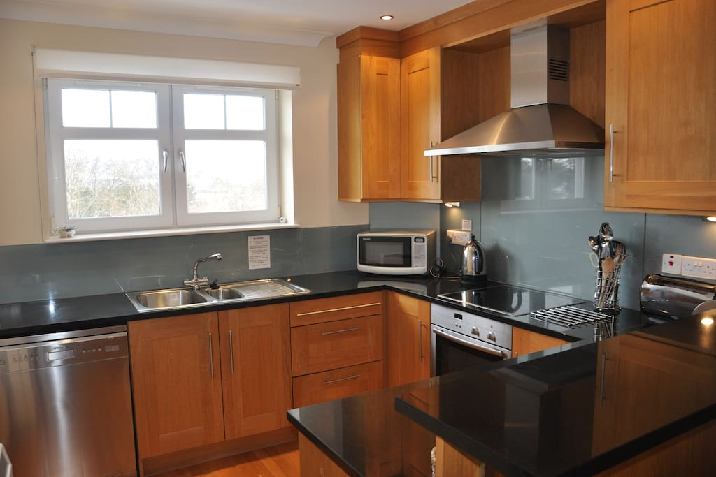 Fully fitted kitchen-dishwasher,fridge, freezer