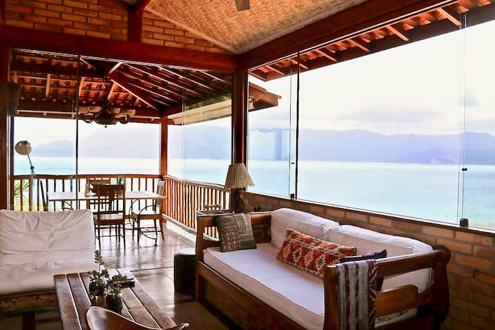 Ocean view villa- La dolce vita