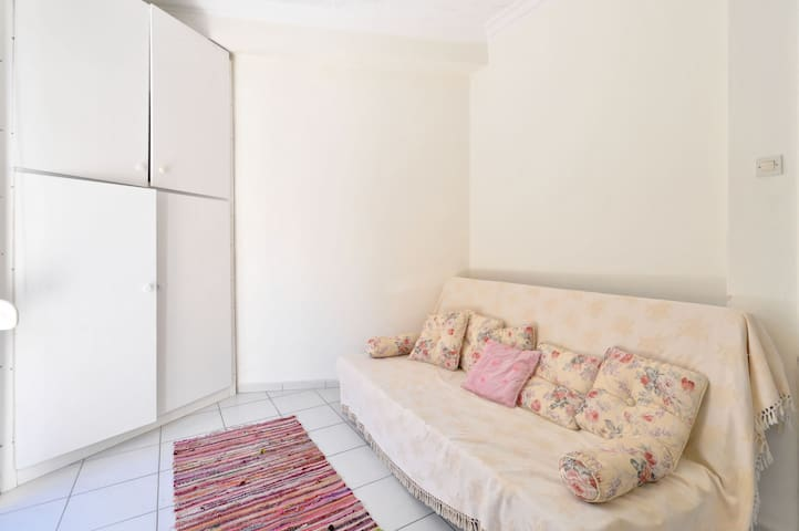 new city apartment in Athens - Zografou