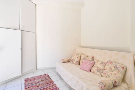new city apartment in Athens - Zografou - Lejlighed