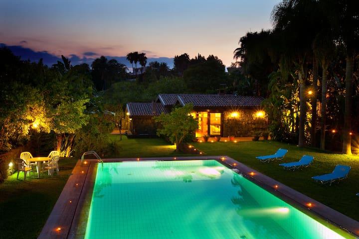luxury residence catania DEMETRA - Carrubazza-motta - Villa