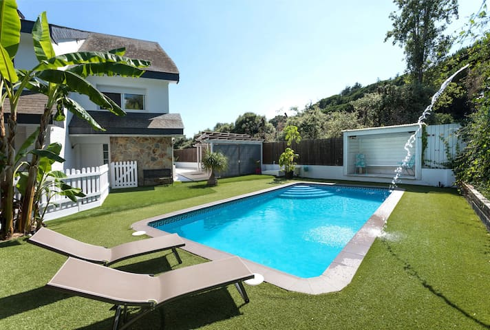 NIELLA - IDEAL FAMILIES - Private pool and garden near Barcelona and the beach