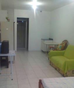 Kitinete em condomínio fechado - Matinhos, Paraná, BR - Bed & Breakfast